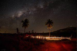 Via Láctea sobre o Pico do Jabre - Foto: Maíra Souza