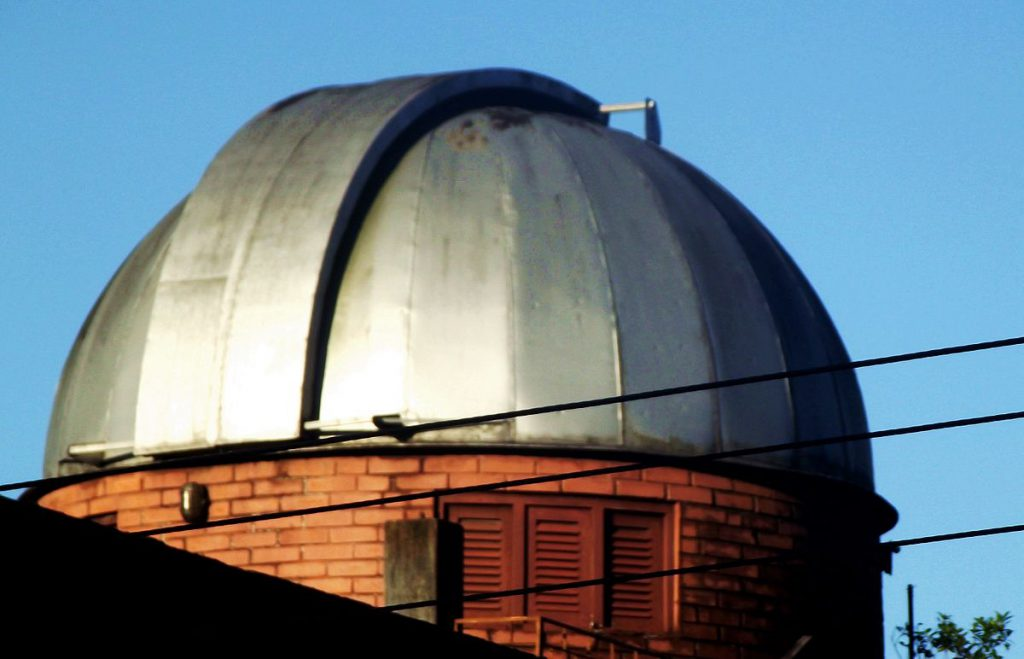 Cúpula do Observatório Astronômico da Paraíba, no Centro de João Pessoa - Fonte: Arktrus2 (Wikimedia)